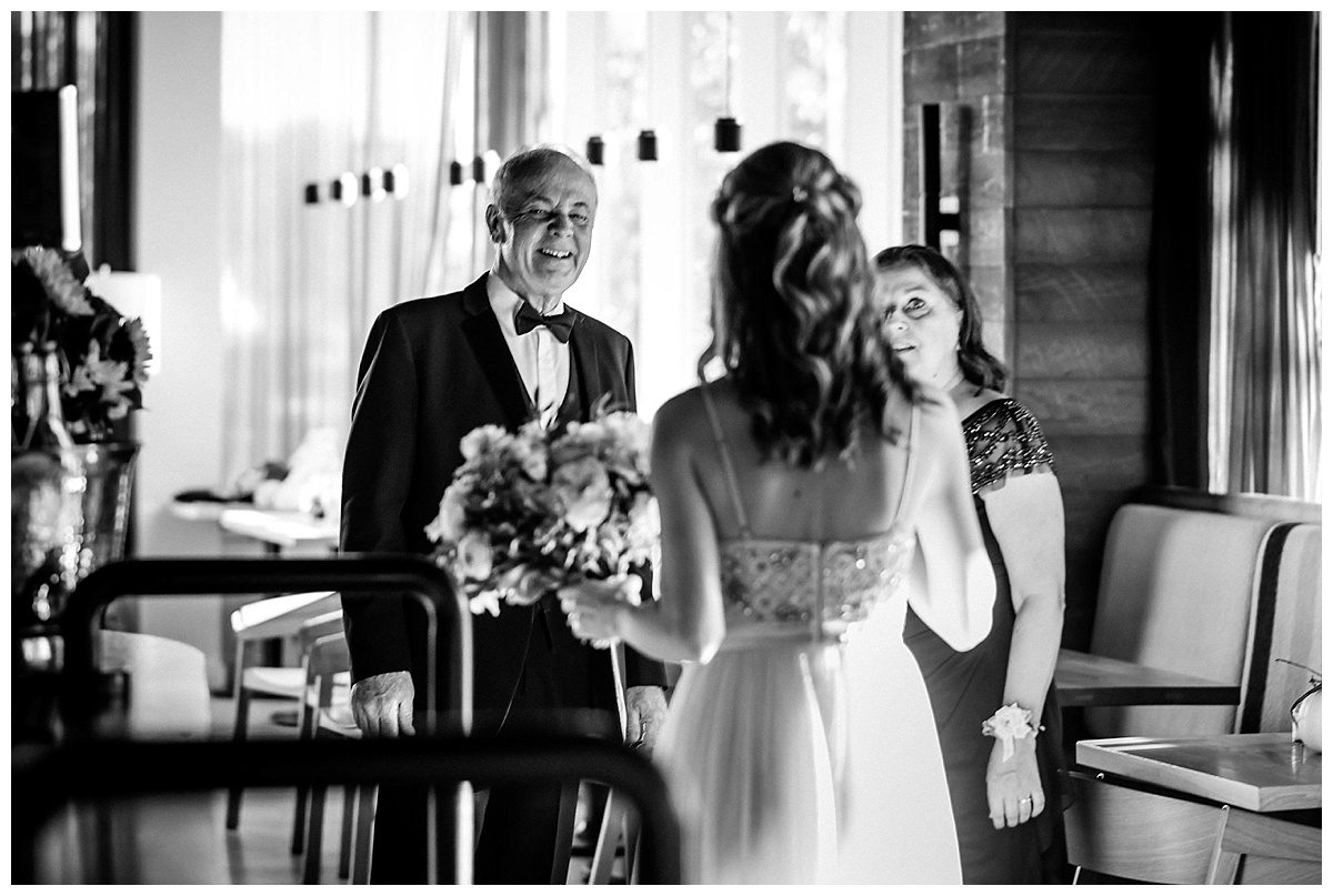 smith restaurant inn at the forks winnipeg manitoba wedding photographers
