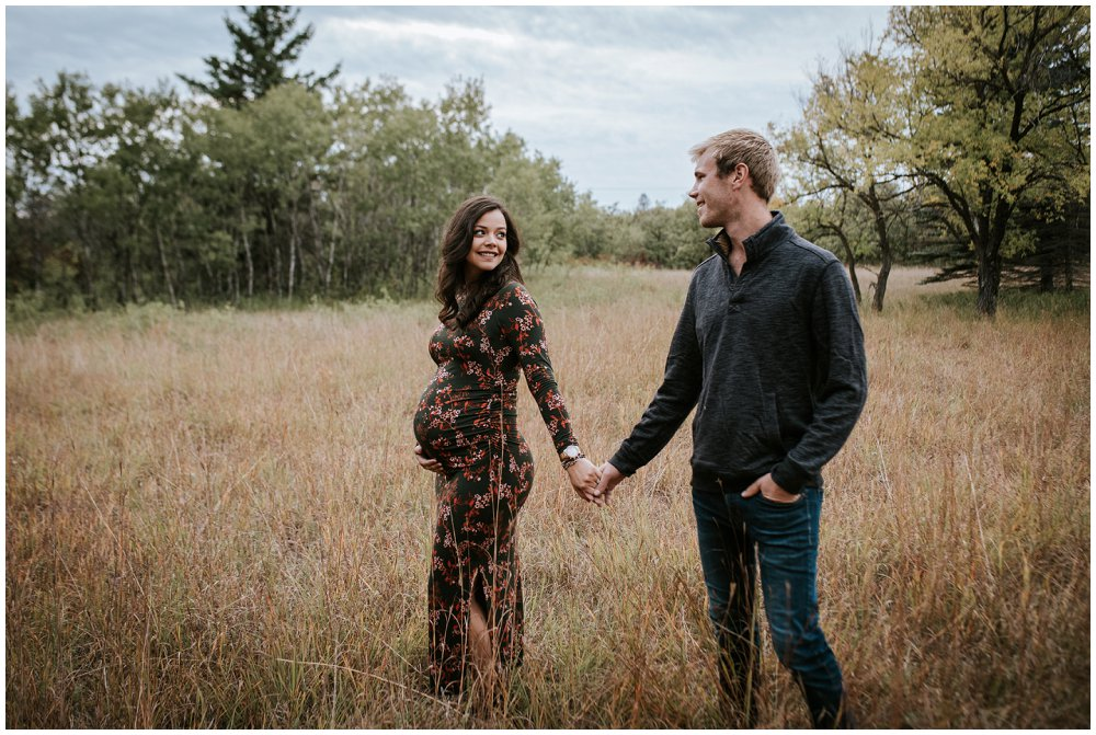 Birds Hill Manitoba Winnipeg Maternity Photographer of Elayna and Tim