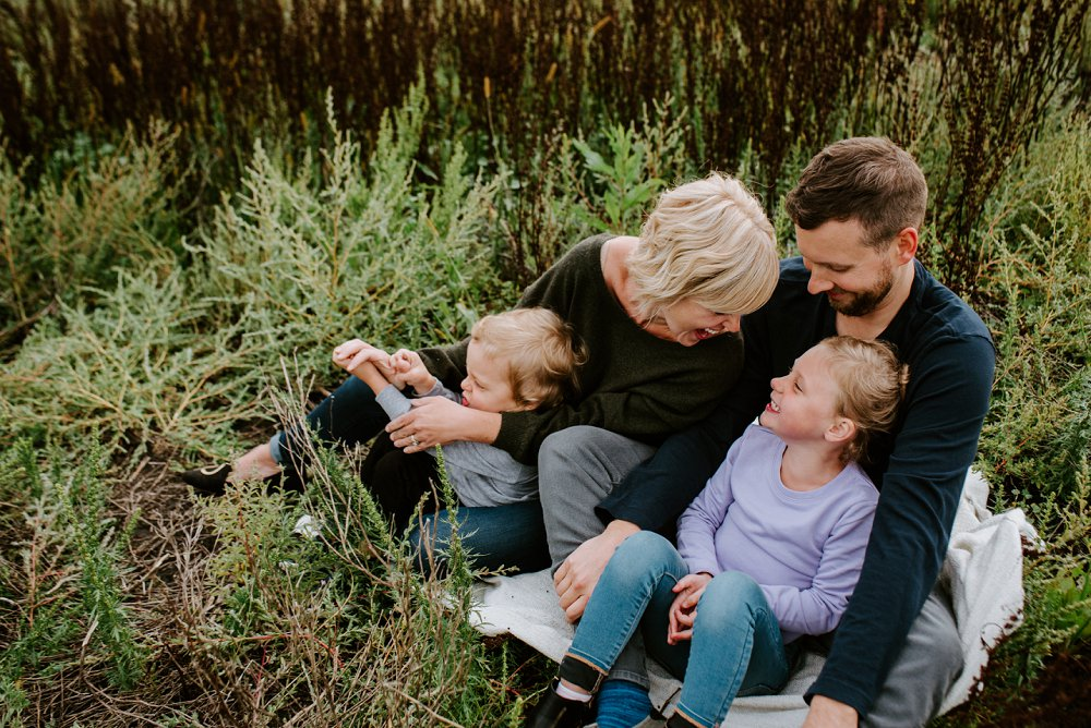 Winnipeg Family Photographer of the Johnnasson family in East St Paul